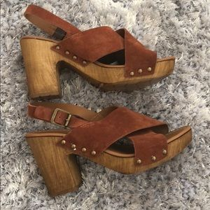 Kenneth Cole Reaction wooden suede platforms